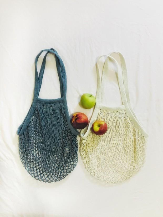 Selalu bawa shopping bag untuk kurangi limbah kantong plastik