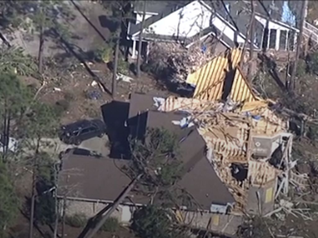 Tornado Mengacak-acak North Carolina AS, 3 Orang Tewas