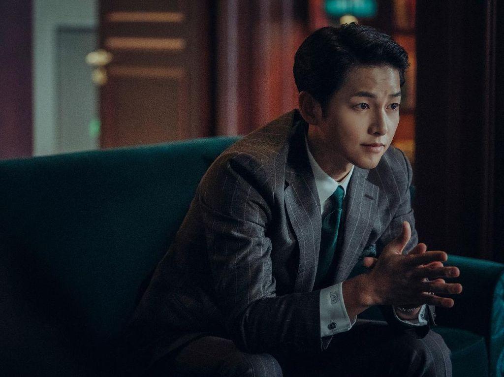Dibintangi Song Joong Ki, Vincenzo dan Yoo Shi Jin Punya 5 Kesamaan, Lo!