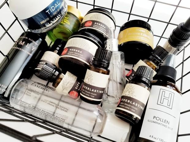 Daur ulang wadah bekas kosmetik agar tidak menambah sampah
