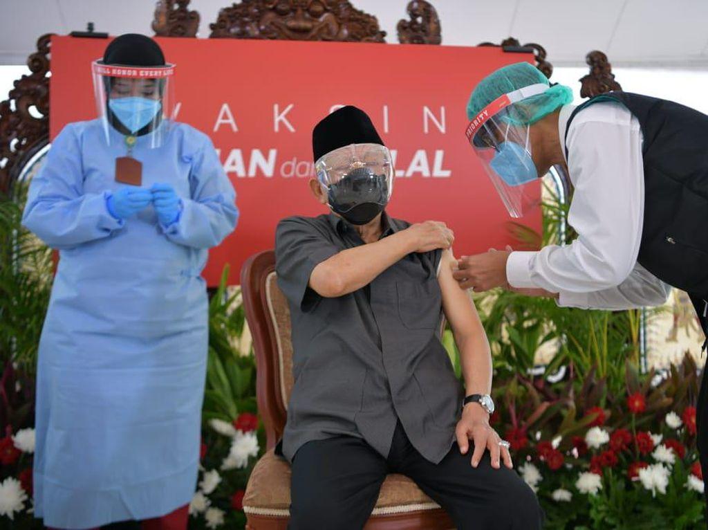 Wapres Maruf Amin Ajak Lansia Indonesia Ikut Vaksinasi Corona