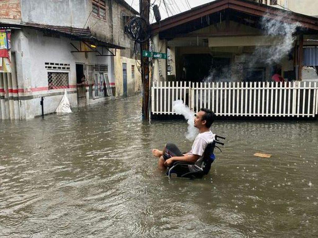 Cerita Warga Bukit Duri Jaksel Saat Banjir Masuk Rumah, Kini Sudah Surut