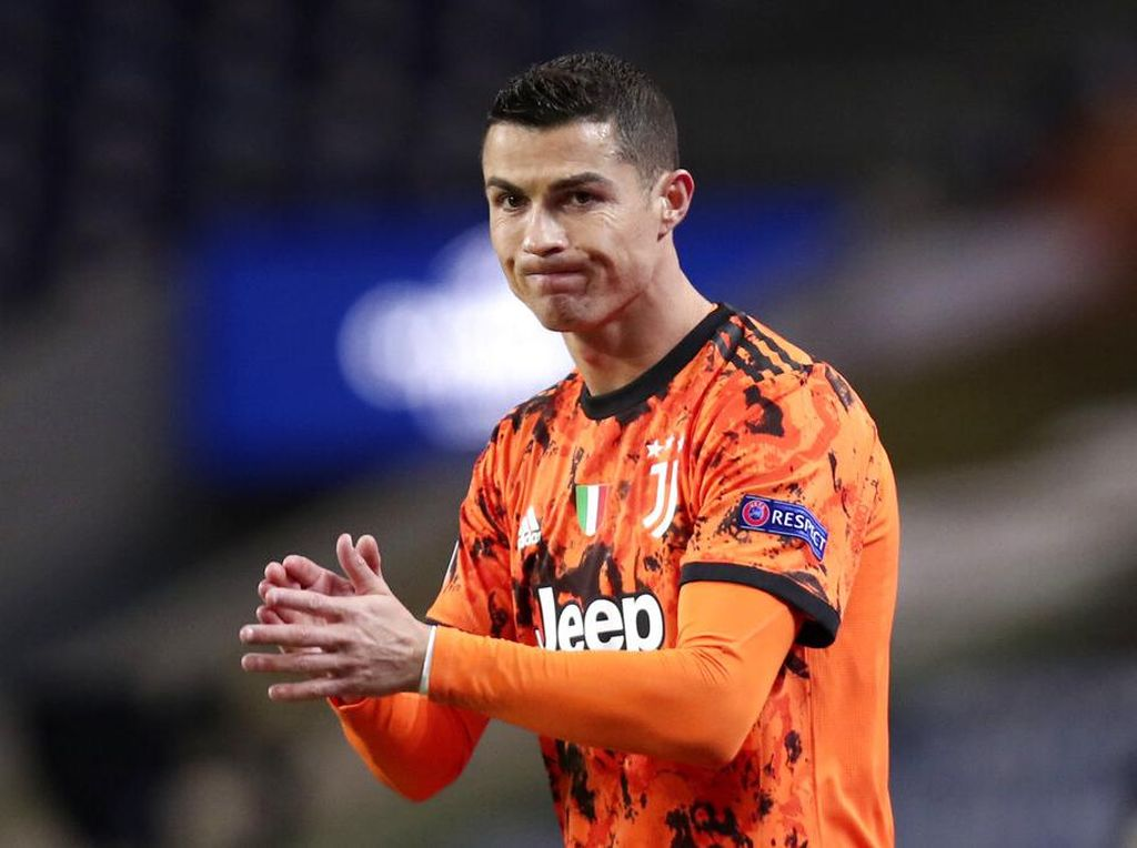 Ronaldo Vs Porto: Nabrak Teman, Tendang Angin, Tak Dapat Penalti