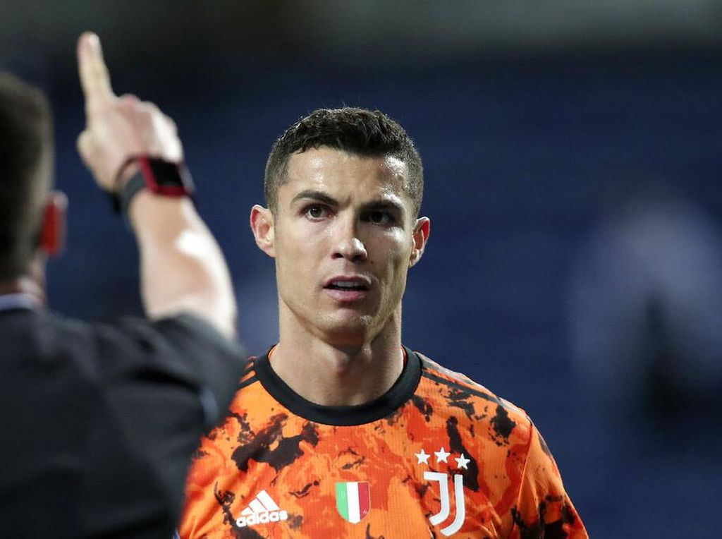 Detik-detik Cristiano Ronaldo Jatuh dan Klaim Penalti