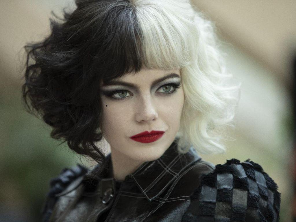 Lebih Dekat dengan Emma Stone Versi Kejam