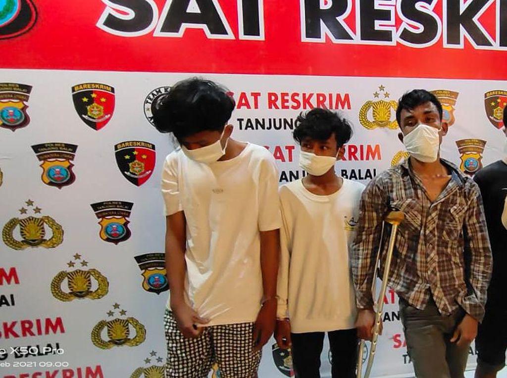 Dor! Polisi Tembak Anak Nakal Pemimpin Kelompok Bandit di Tanjungbalai