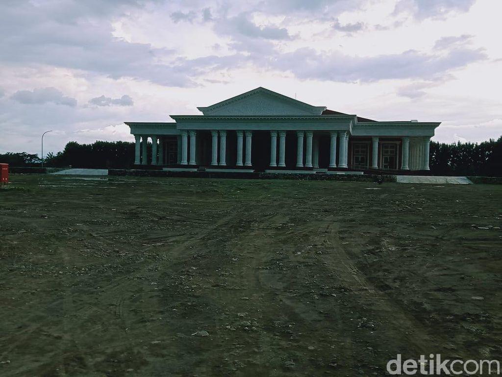 Melihat Grha Megawati Rp 90 M di Dekat Terminal Ir Soekarno Rp 60 M