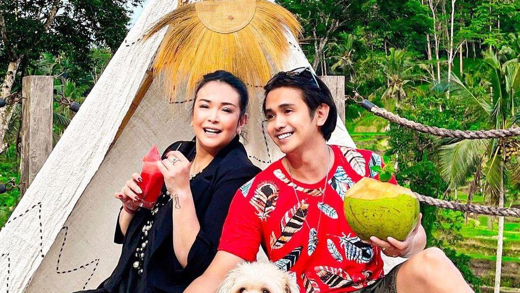 Intip Momen Mesra Jennifer Jill dan Ajun Perwira Saat Makan Bareng