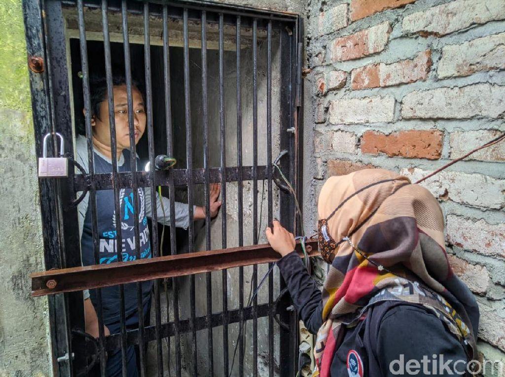 Kisah Pria Ponorogo Dikurung Setahun di Rumahnya karena Kerap Mengamuk