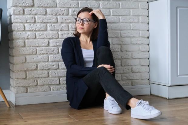 Perimenopause merupakan periode waktu sebelum tubuh wanita memasuki masa menopause dan berhanti mengalami siklus menstruasi yang menyebabkan keringat.