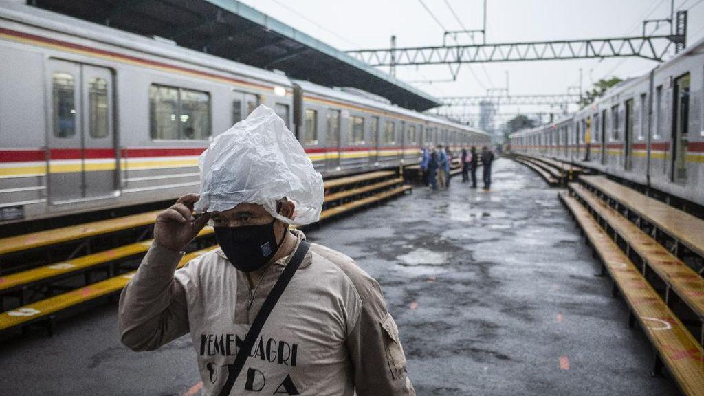 Imbas Banjir Jakarta, Jadwal KRL Ikut Terganggu