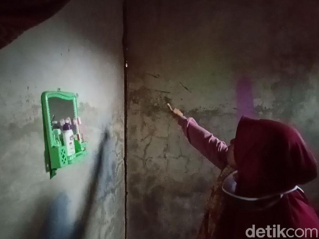 Rumah Warga di Bandung Retak-retak Diduga Akibat Pergerakan Tanah