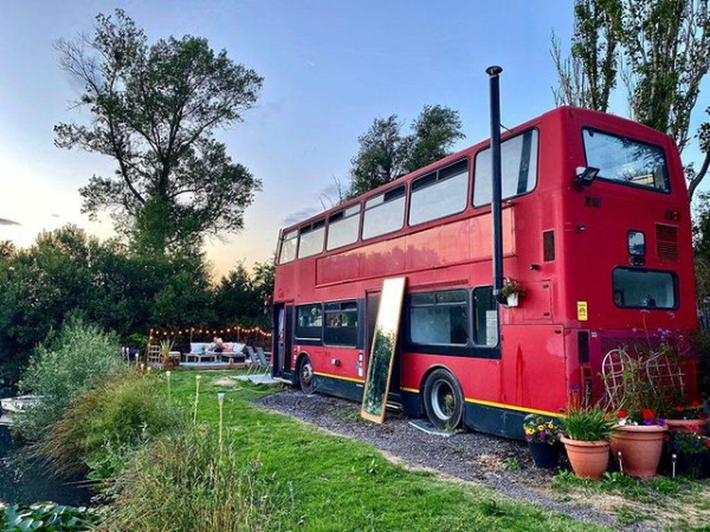 Foto: Bus Tingkat Diubah Jadi Rumah, Seperti Ini Hasilnya