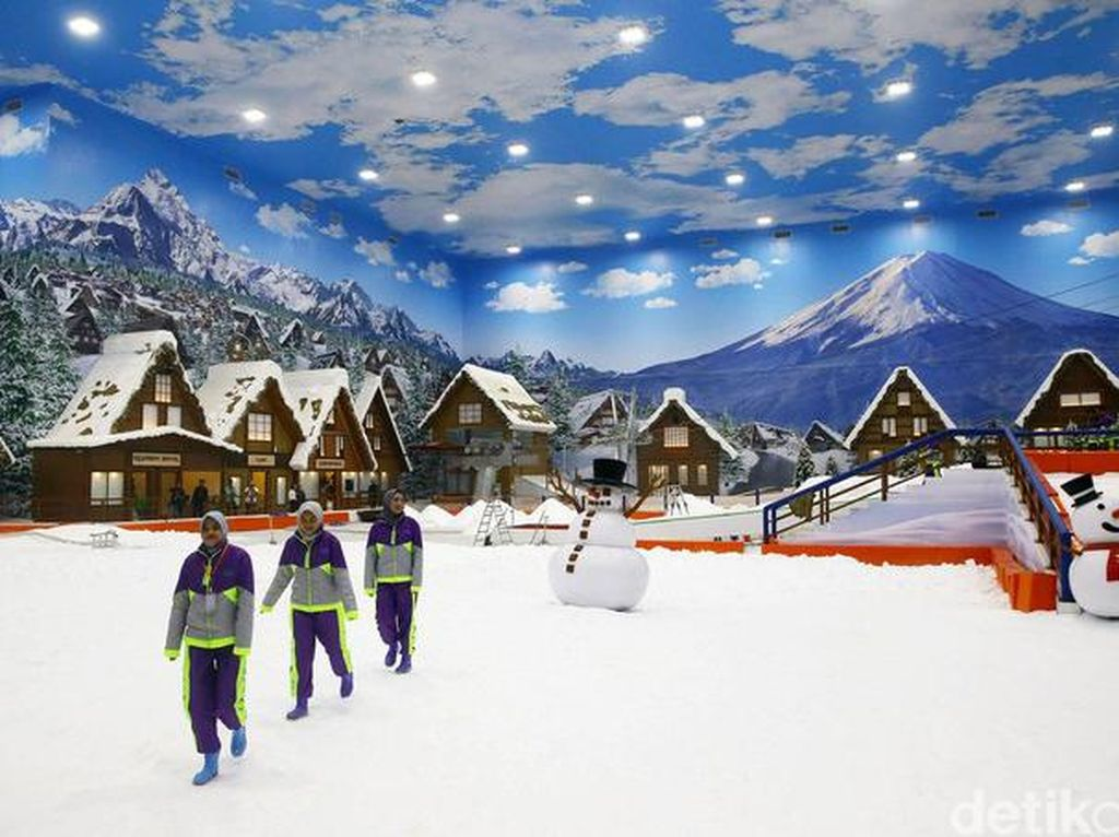Asyik Main Salju di Trans Snow World Bintaro Ada Banyak Diskon! Mau?