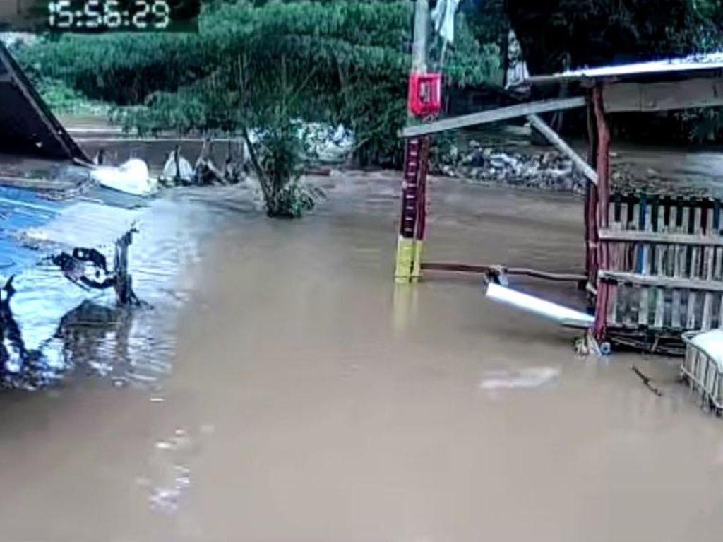 Banjir di Cipinang Melayu Surut 60 Cm dalam Waktu 7 Jam