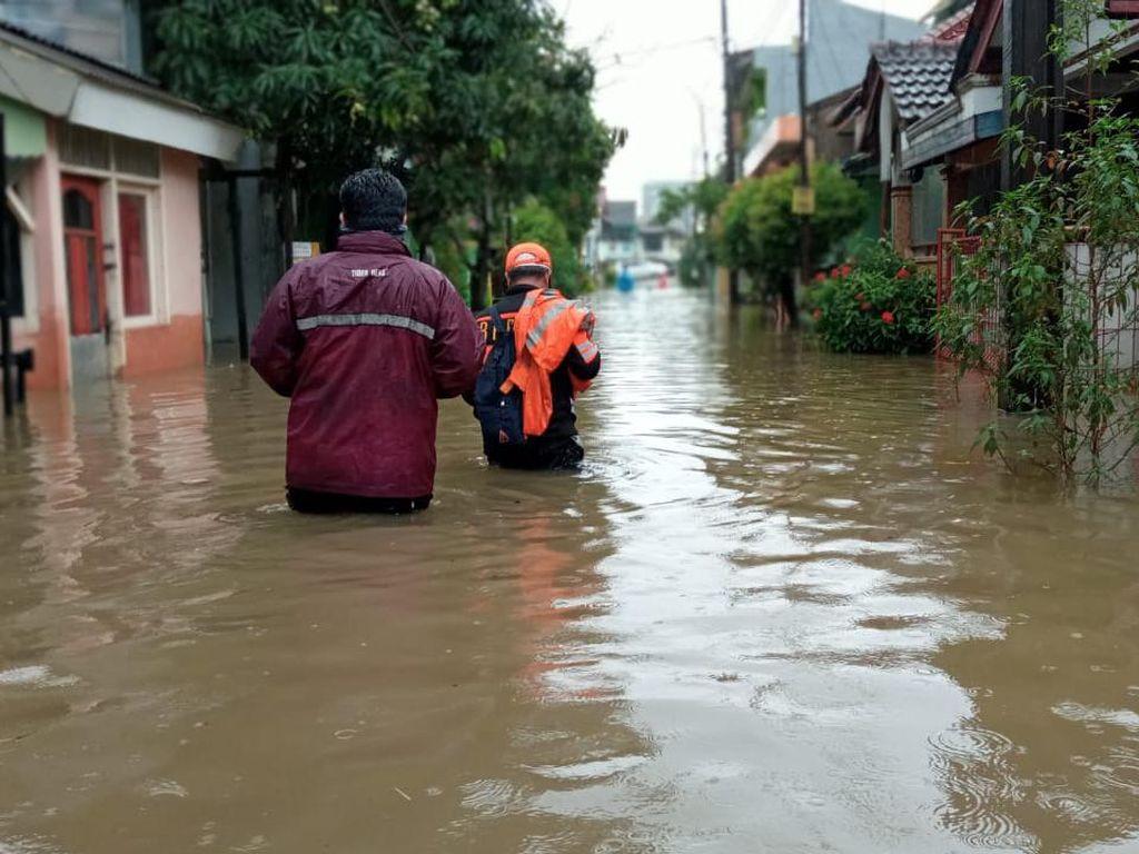 Titik Banjir di Bekasi Bertambah Jadi 55, Tertinggi di Jatiasih