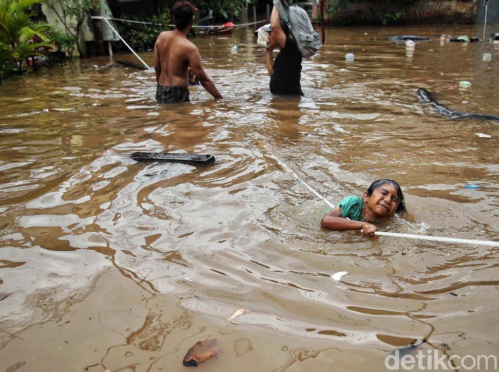 Cipinang Melayu Dibanggakan Anies tapi Kini Banjir Menerjang