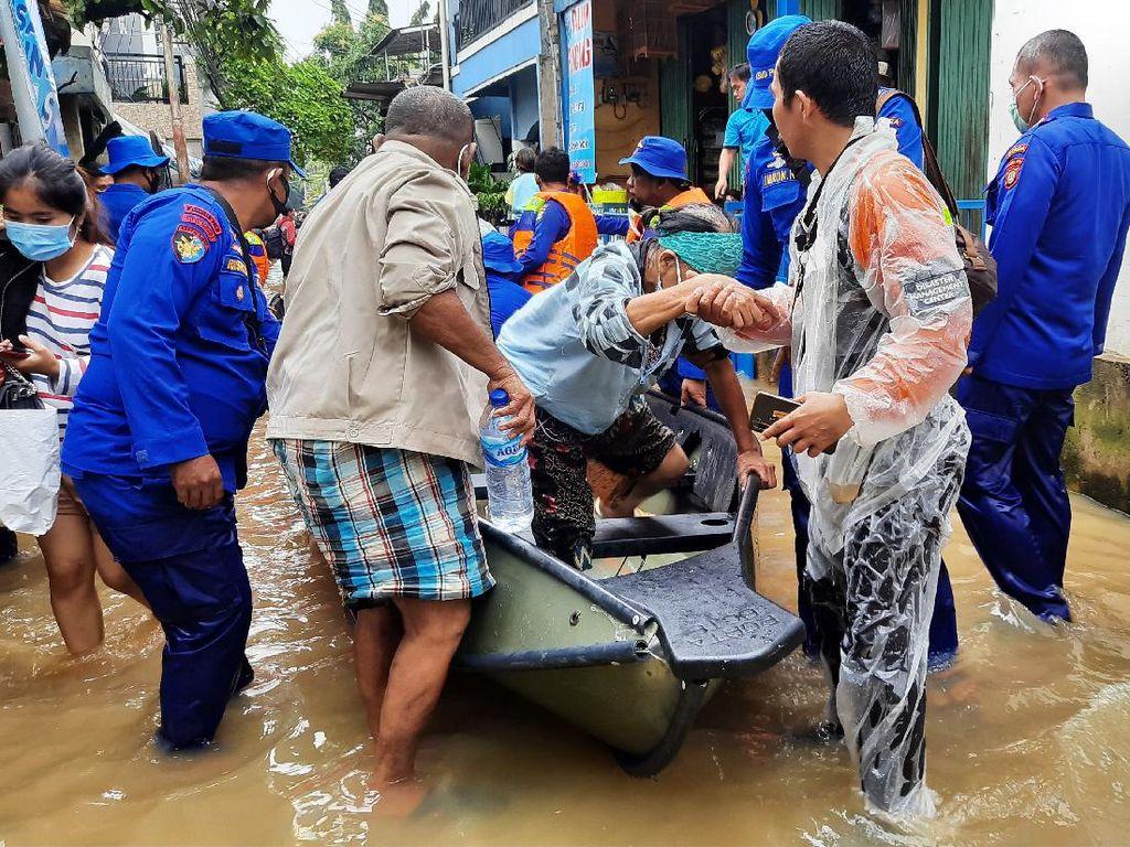 2.321 Warga Terdampak Banjir di Cipinang Melayu Jaktim