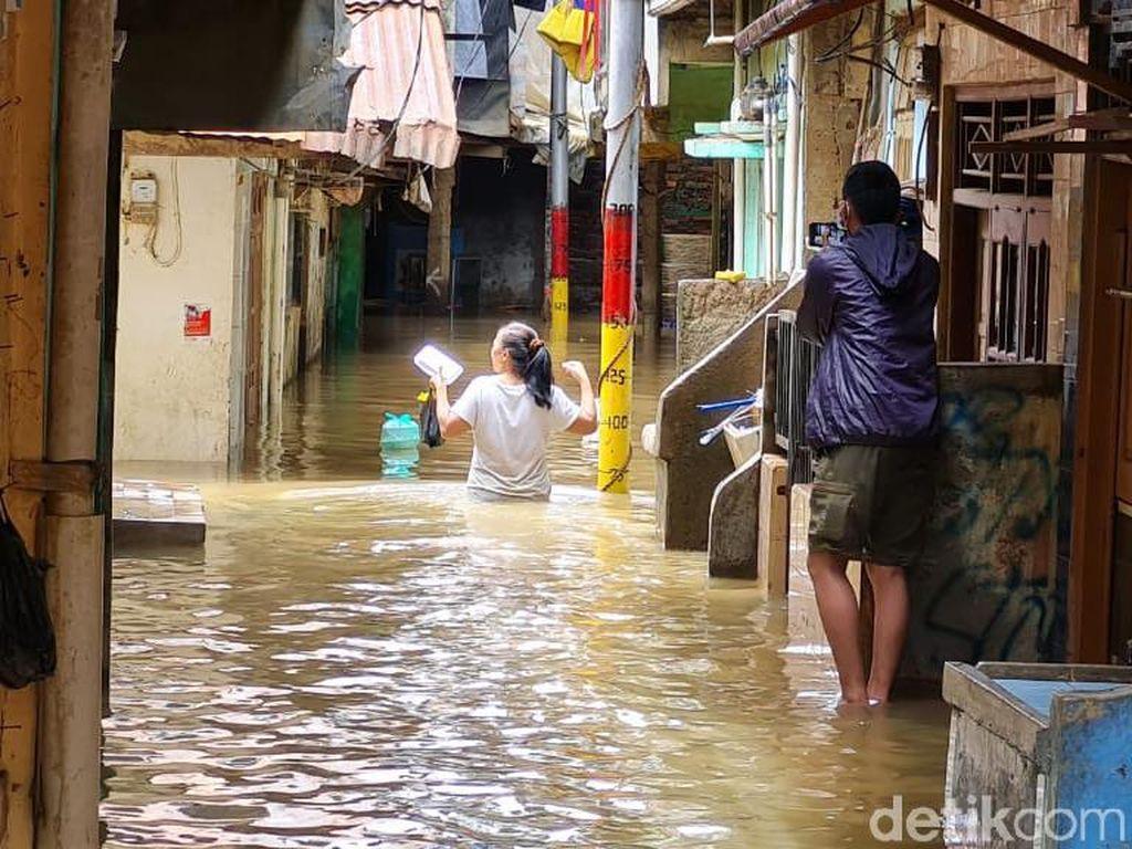 Kampung Melayu 8 Kali Dilanda Banjir Tahun Ini, Warga Harap Ada Pengerukan Kali