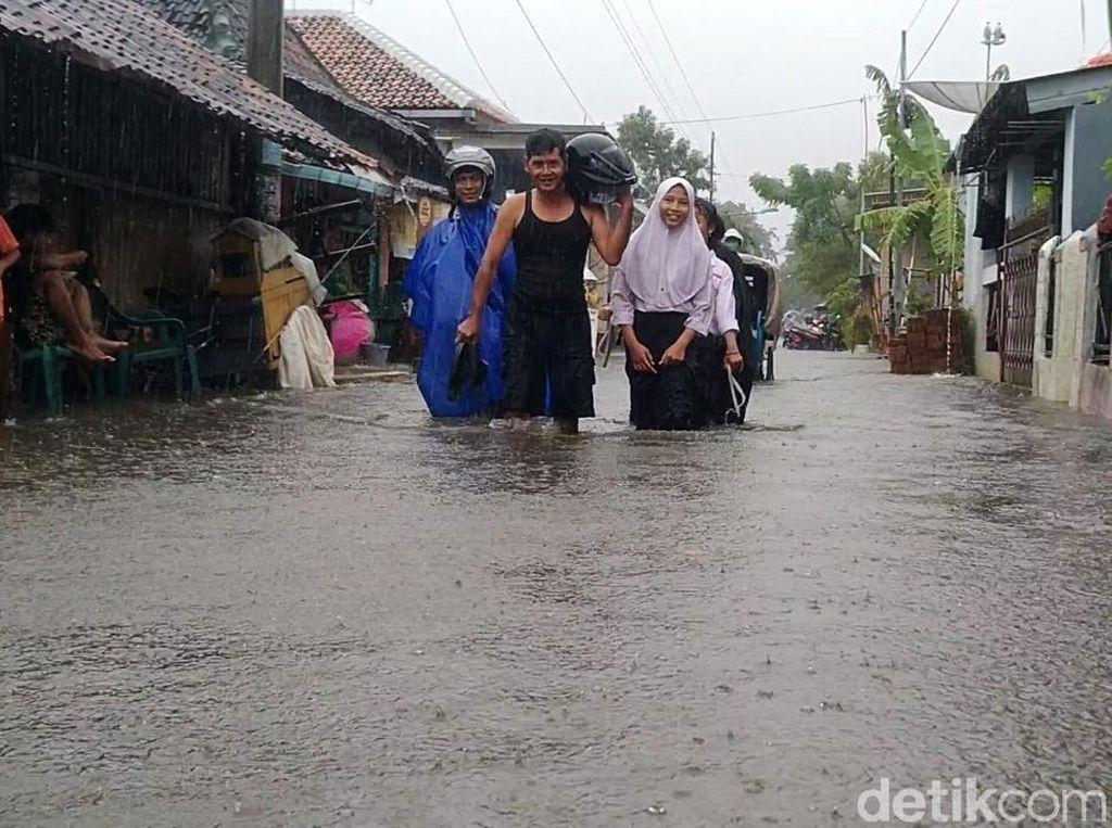 2.000 Lebih Warga Pekalongan Mengungsi Imbas Banjir