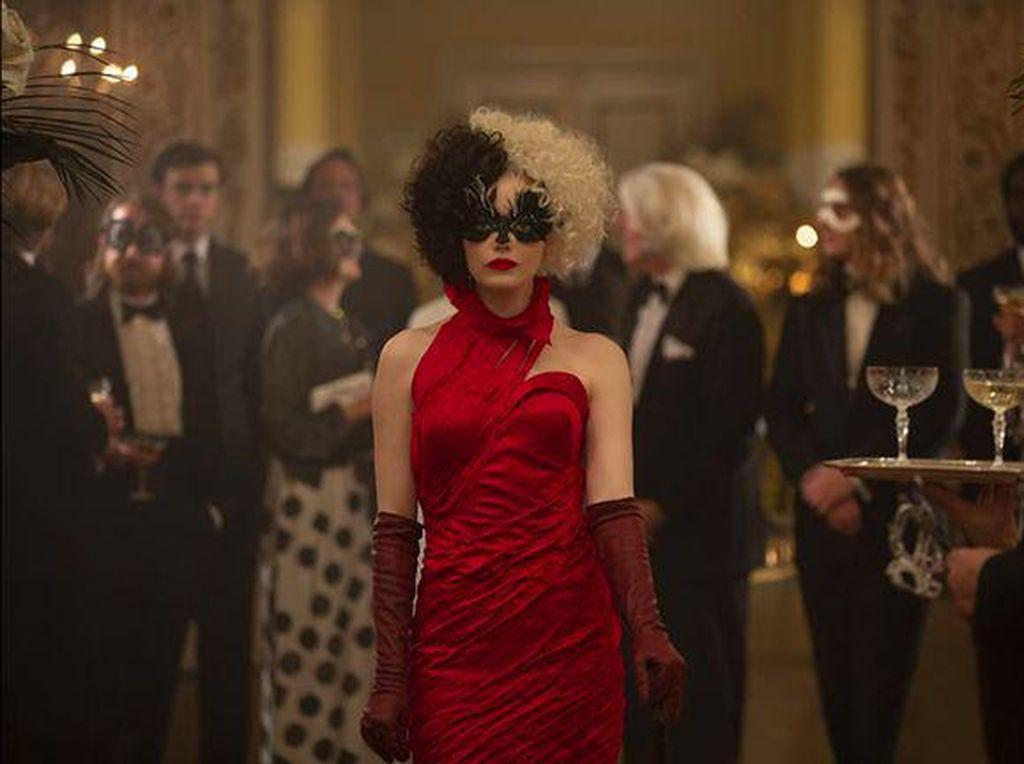 Ikonik Jadi Pembunuh Binatang, Cruella Emma Stone Murni Antagonis?