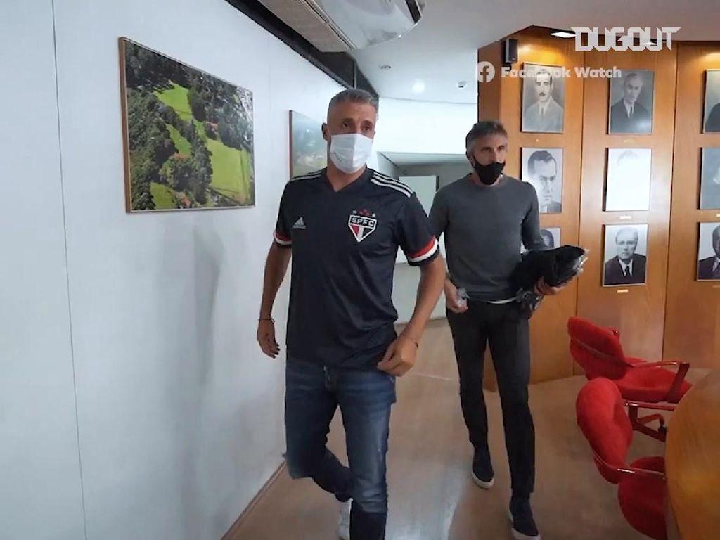 Video: Hernan Crespo Latih Sao Paulo