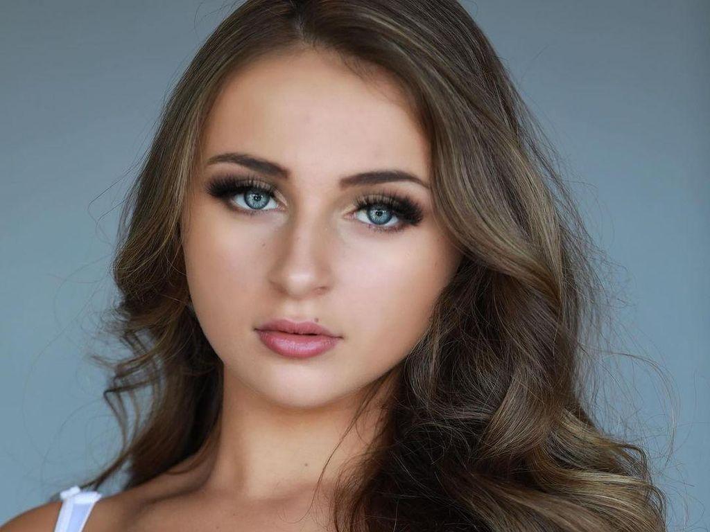 10 Foto Remaja yang Jadi Miliuner Termuda, Berawal dari Kontes Kecantikan