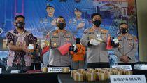 Ribuan Detonator Bom Ikan di Jatim Disembunyikan dalam Kardus Kerupuk