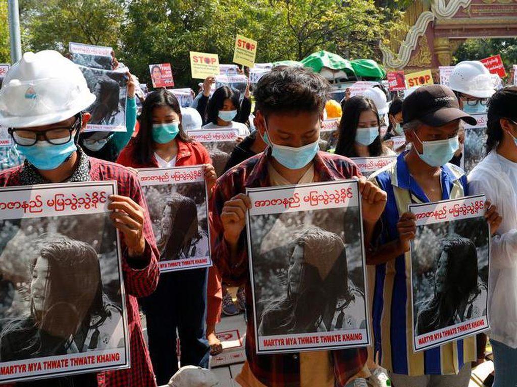 Kematian Demonstran Sudutkan Militer Myanmar