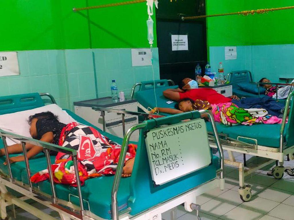 Pengungsi Longsor Nganjuk yang Keracunan Massal Alami Gejala Ini
