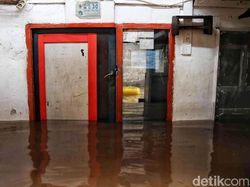 Penjelasan Polisi Tertibkan Massa Beratribut FPI di Banjir Cipinang Melayu