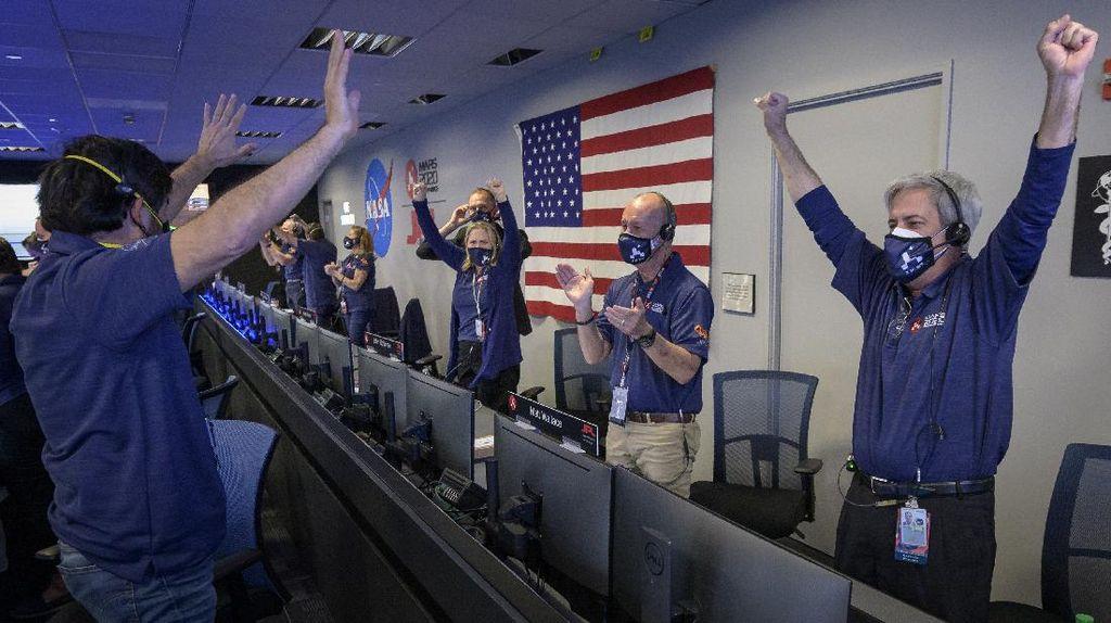 Sorak-sorai Warnai  Pendaratan Rover Perseverance NASA di Mars