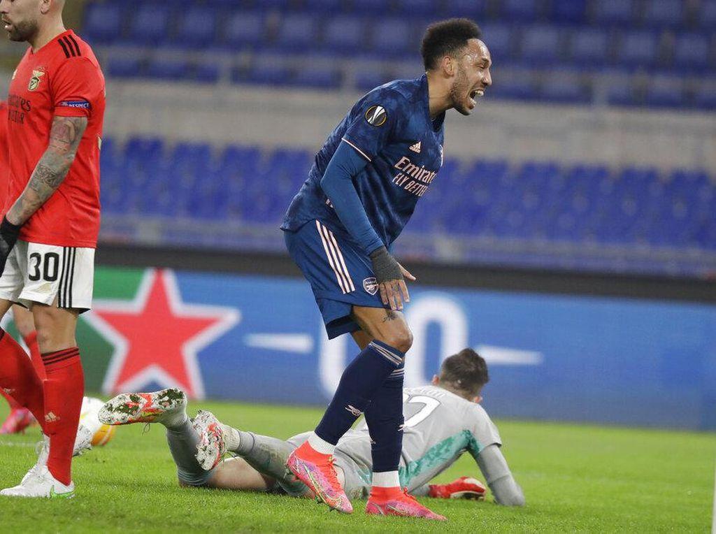 Benfica Vs Arsenal: Duh, Aubameyang Buang-buang Peluang Emas