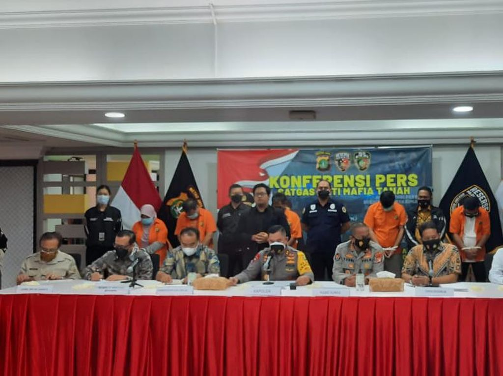 15 Tersangka Kasus Mafia Tanah Ibu Dino Patti Djalal Ditangkap!