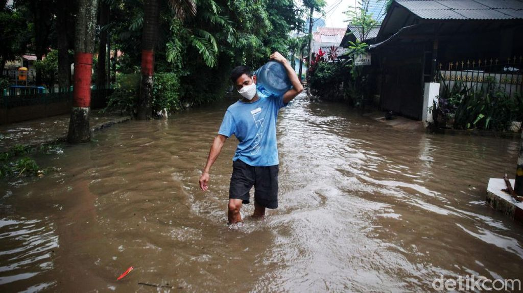 Banjir Terjang Pondok Karya Jakarta Selatan