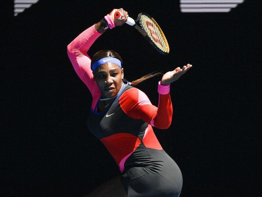 Gaya Unik Serena Williams Lawan Naomi Osaka, Pakai Celana Panjang Sebelah