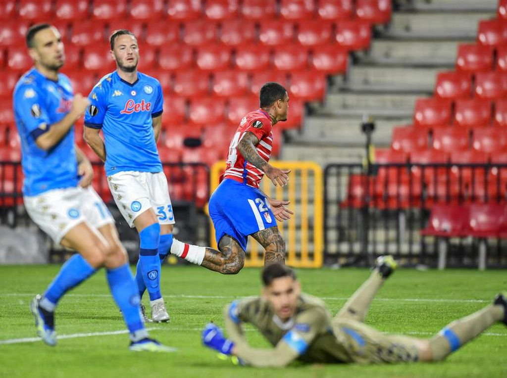 Hasil Liga Europa: Napoli Tumbang 0-2 di Markas Granada