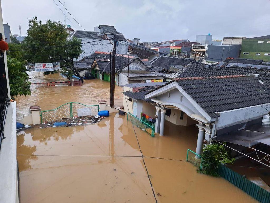 Warganet Ramai Lapor #Banjir di Media Sosial