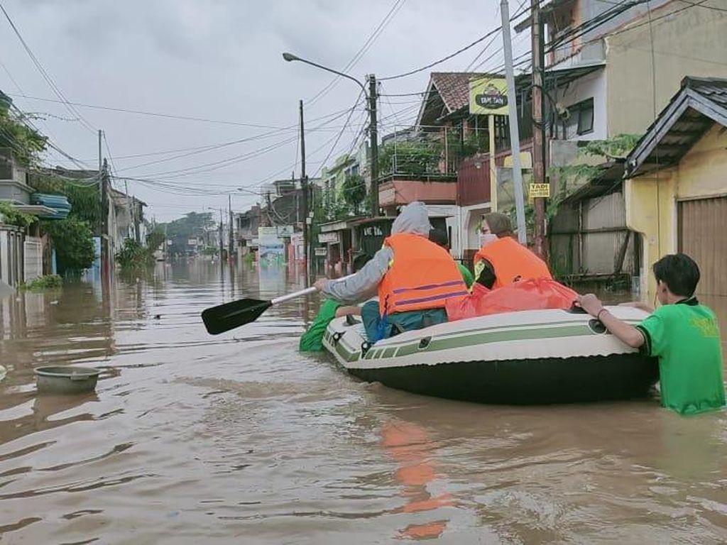 Telkomsel Upayakan Jaringan Prima di Titik Banjir Jabodetabek