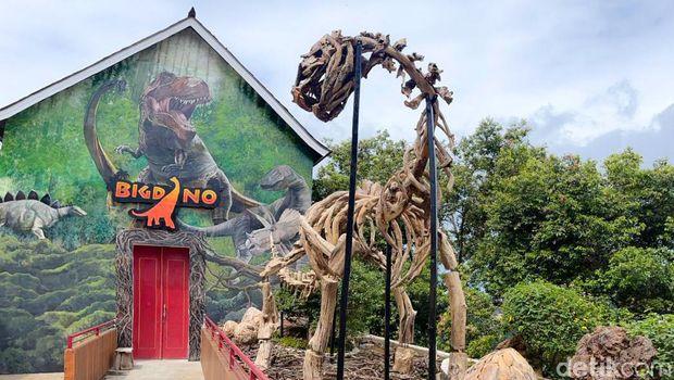 Bertemu Dinosaurus di Lembang