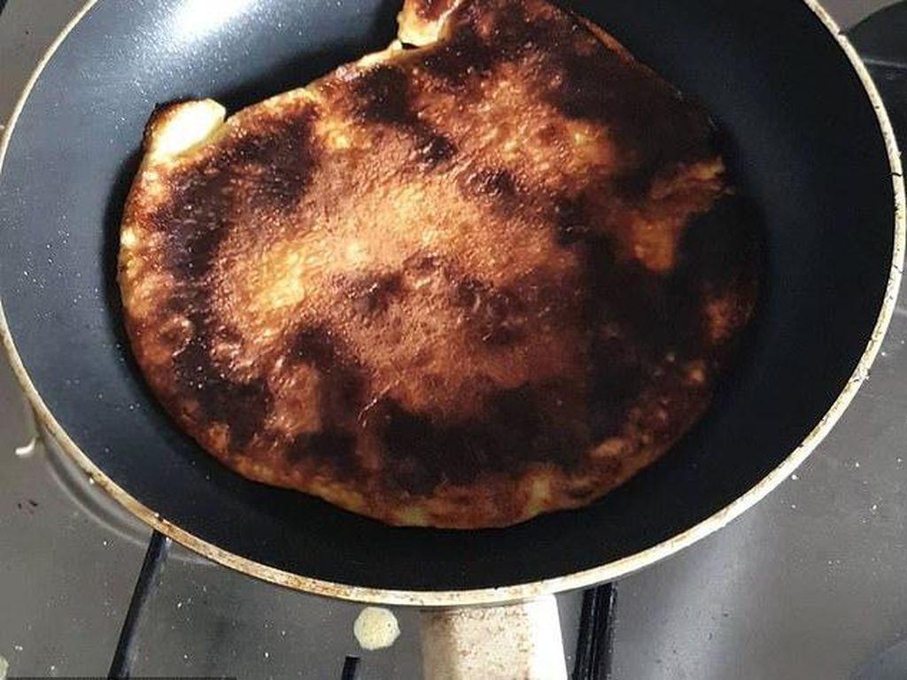 Duh! 10 Potret Pancake Gagal Ini Gosong hingga Tak Berbentuk