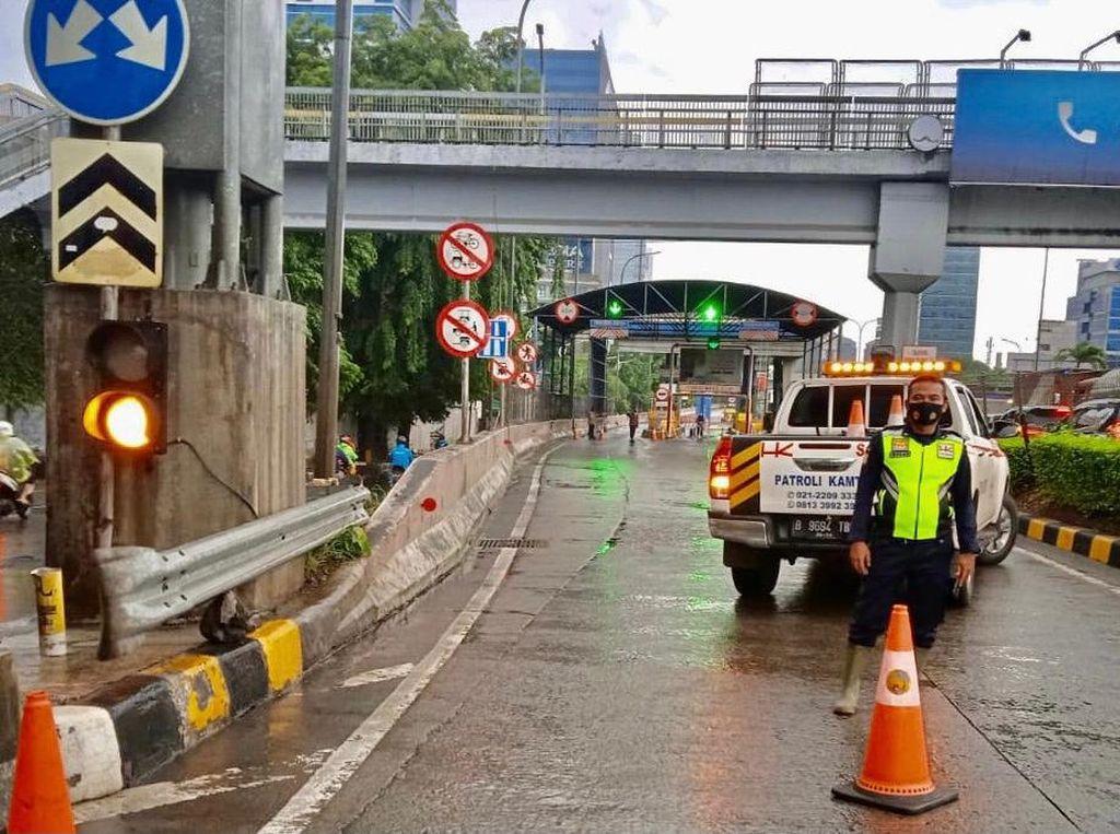 Daftar Gerbang Tol JORR Seksi S yang Ditutup Imbas Banjir