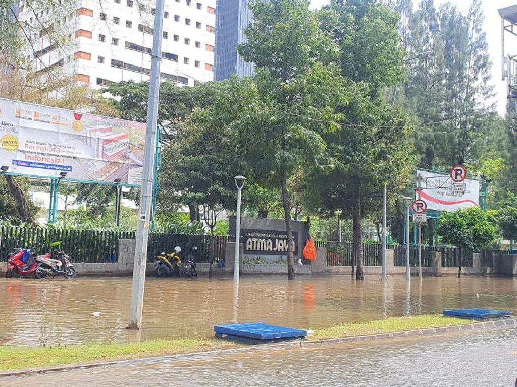 BMKG: Waspada Hujan Lebat pada 23-24 Februari
