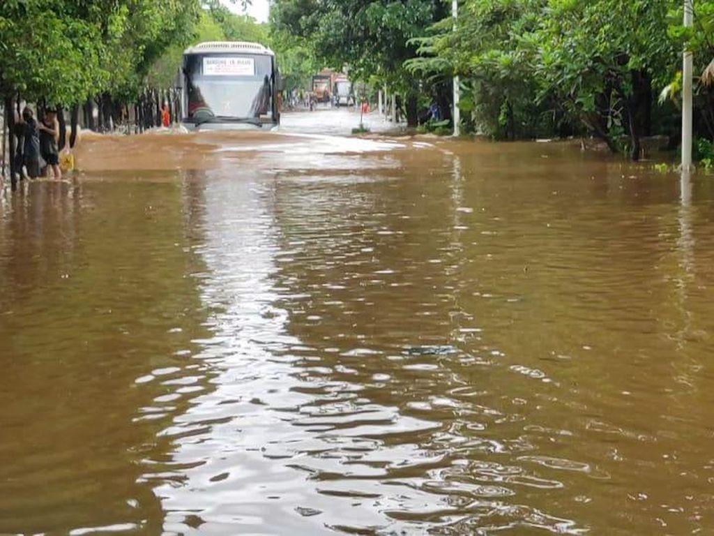 Ini Lokasi-lokasi di Jakarta dan Sekitarnya yang Masih Banjir hingga Sore