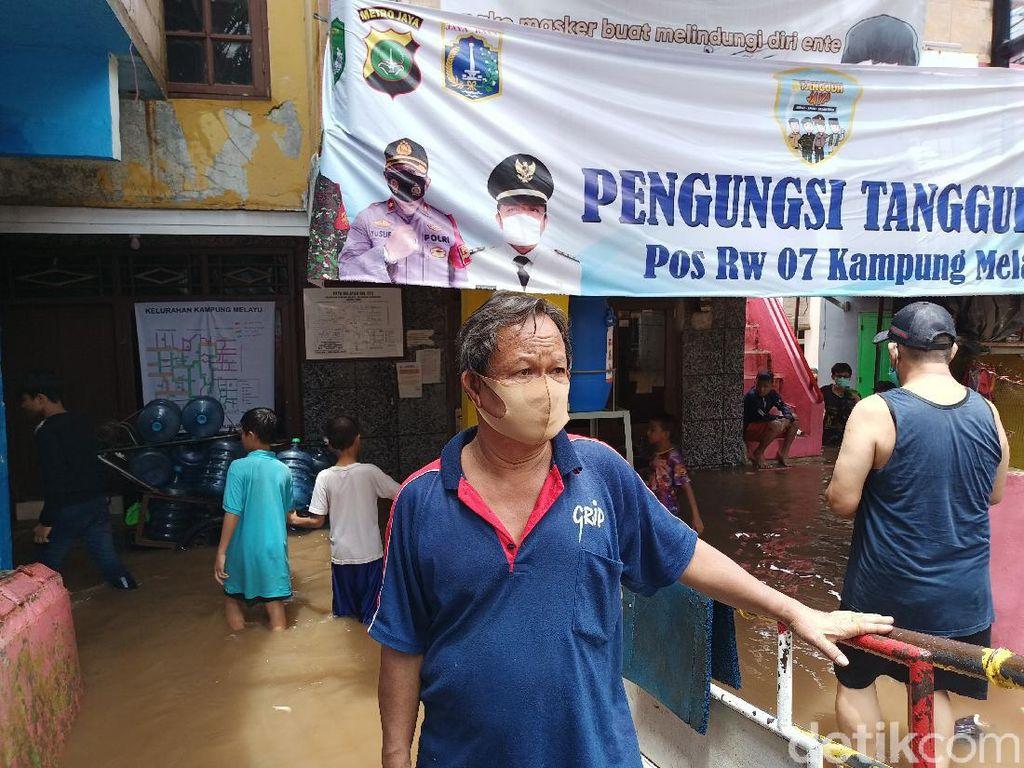 Banjir 2,5 Meter, Warga Kebon Pala Jaktim Belum Terima Bantuan Merata