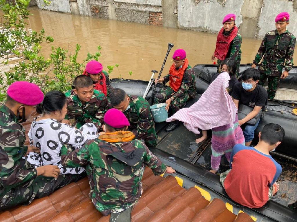 Jabar Sepekan: Kompol Yuni Dicopot Gegara Narkoba-Prediksi Lapan Soal Banjir Terbukti