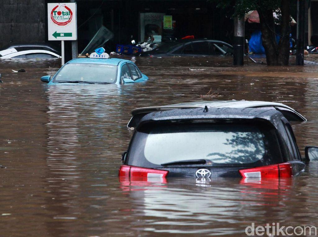 Akan Interpelasi, PSI Duga Anies Sengaja Hambat Kerja Dinas Atasi Banjir
