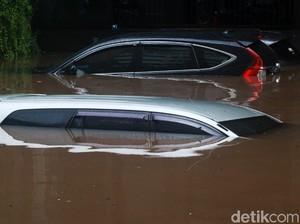 Penanganan Pertama setelah Mobil Terendam Banjir