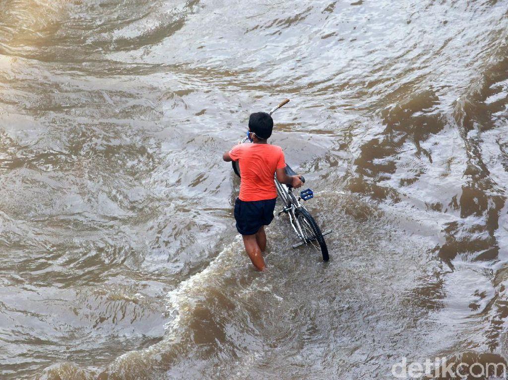 Titik-titik Genangan Air di Jakarta dan Sekitarnya Pagi Ini