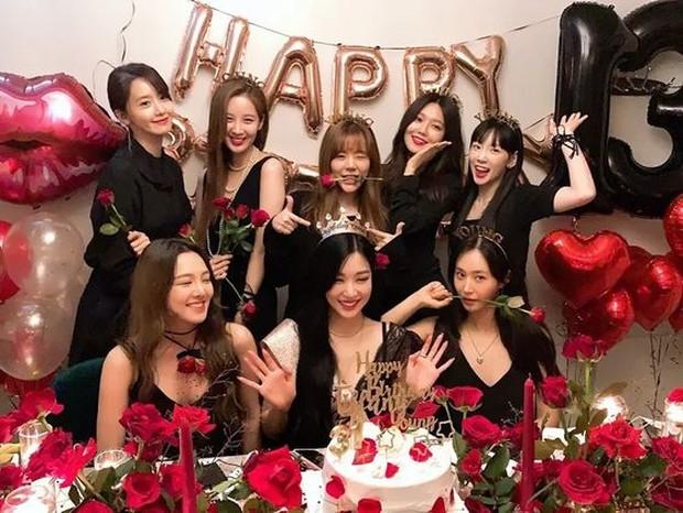SNSD dikabarkan akan comeback dengan formasi lengkap (pinterest.com/koreaboo)